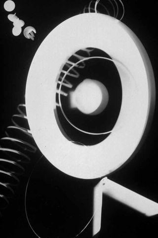 Rayograph-man-ray-1922